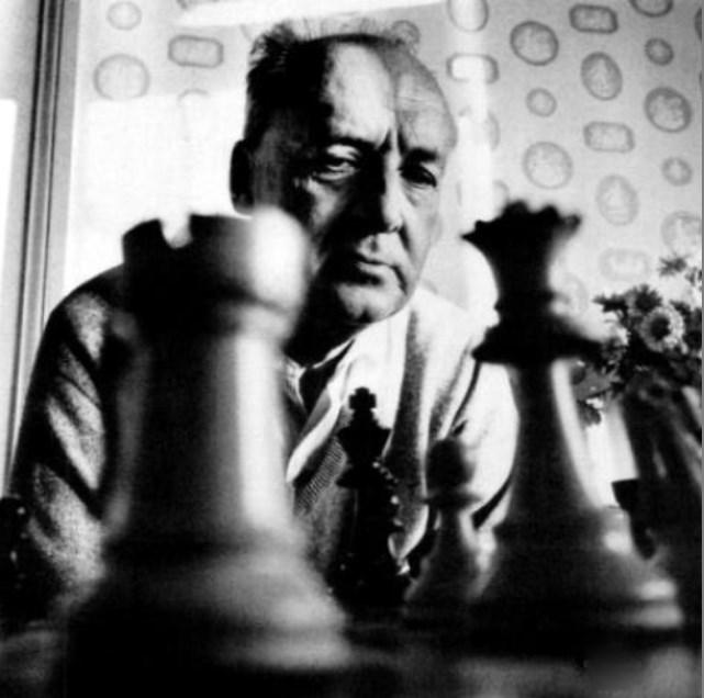 Nabokov-con-piezas.jpg