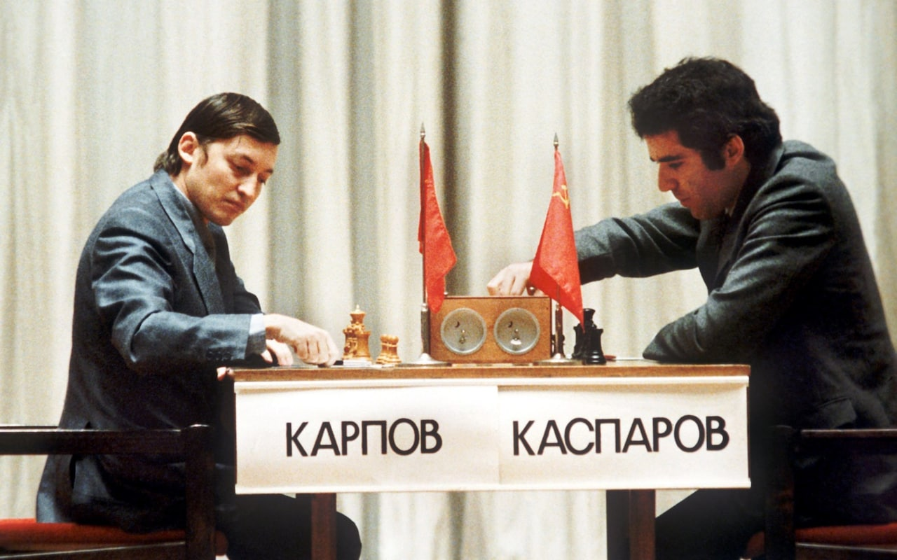 Duelo Karpov-Kasparov  por el título mundial en los 80