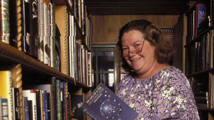 305839-colleen-mccullough-getty-crop